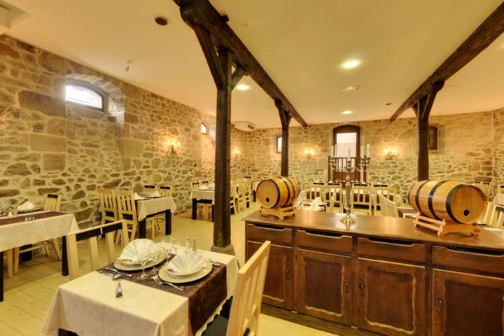 Restaurents A St Privat Des Vieux